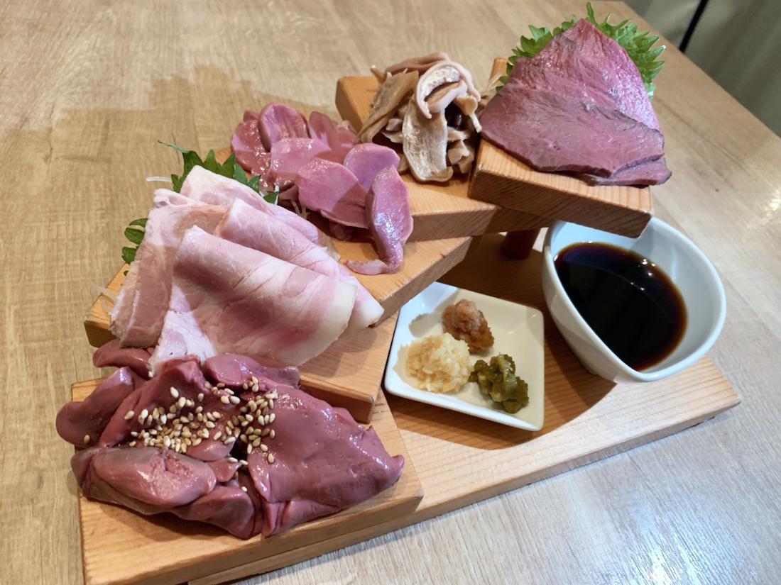 札幌 すすきの 居酒屋 にくと酒とACT 肉刺し
